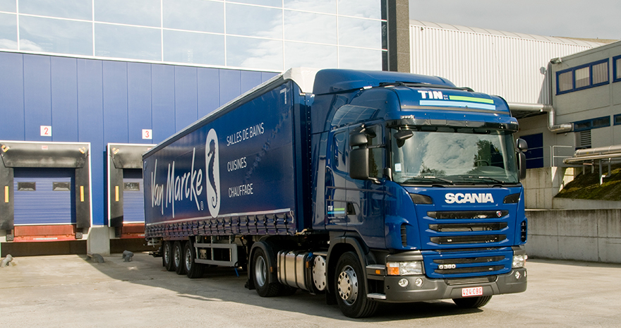 distribution_truck_880x465.jpg